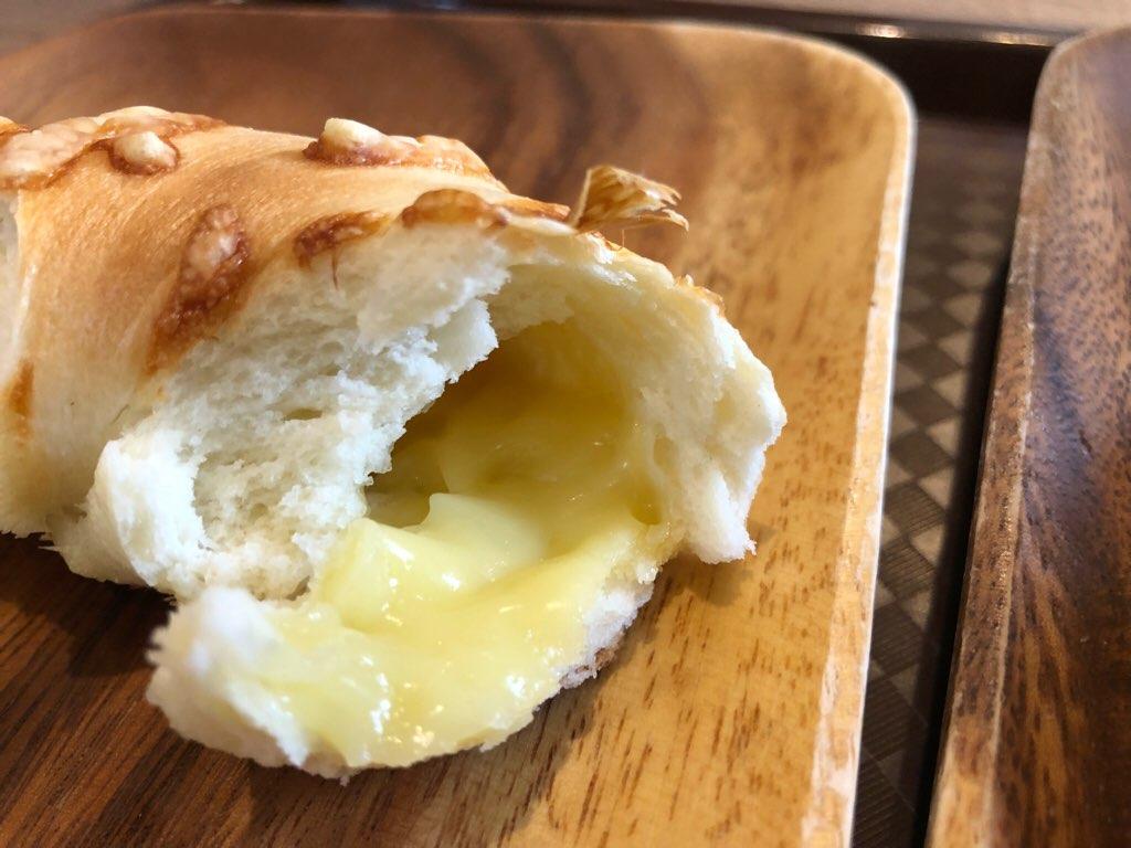 『Wチーズ』の「中に入ったとろーりチーズ」