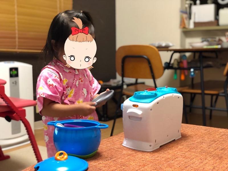 トイサブ!の知育玩具で遊ぶ長女1