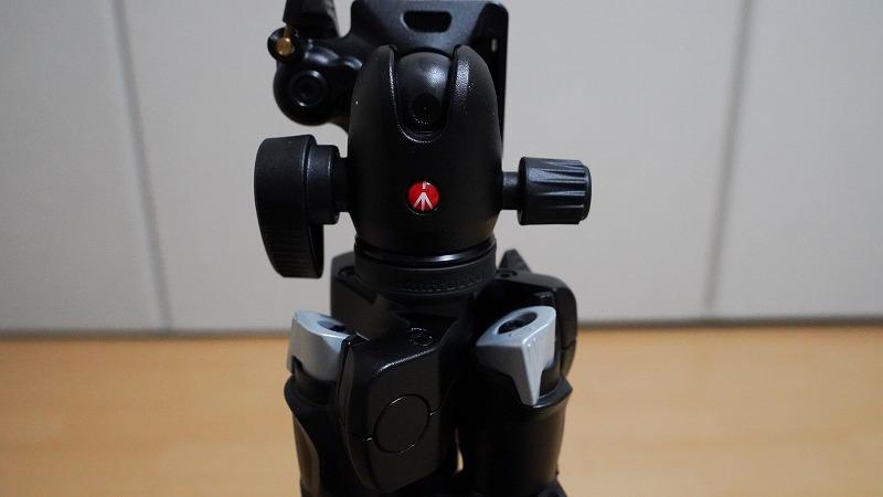 カメラ三脚【Manfrotto(マンフロット) 290 LIGHT】-回転式の留め具を「最低高さの角度」に回転