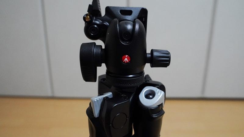 カメラ三脚【Manfrotto(マンフロット) 290 LIGHT】-「三脚足の根本にある回転式の留め具」