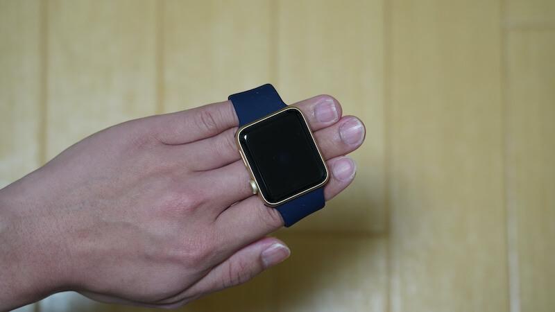 ESTIKI製 Apple Watch用ソロループの付け外しの説明画像1